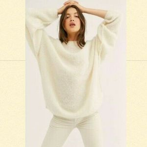 HP⭐️FREE PEOPLE Angelic Pullover NWT Size XS Ivory
